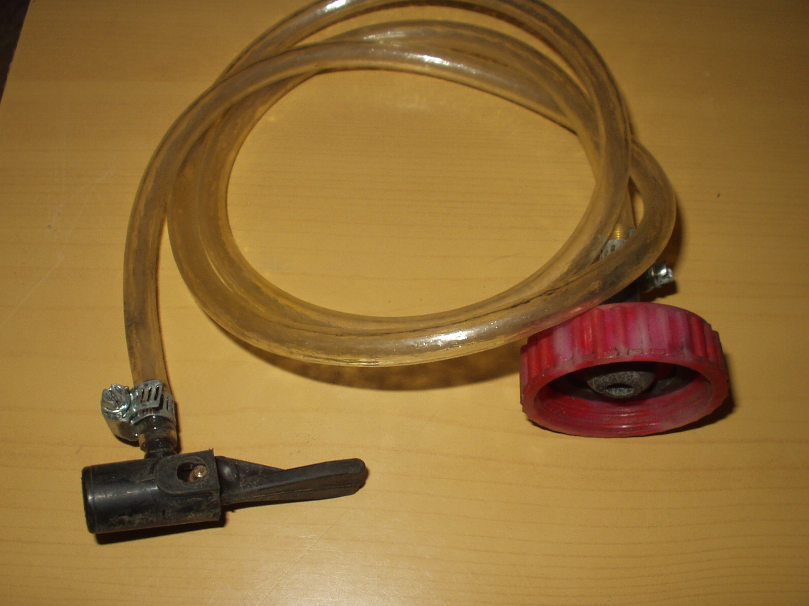 Как сделать крышку для прокачки тормозов и сцепления